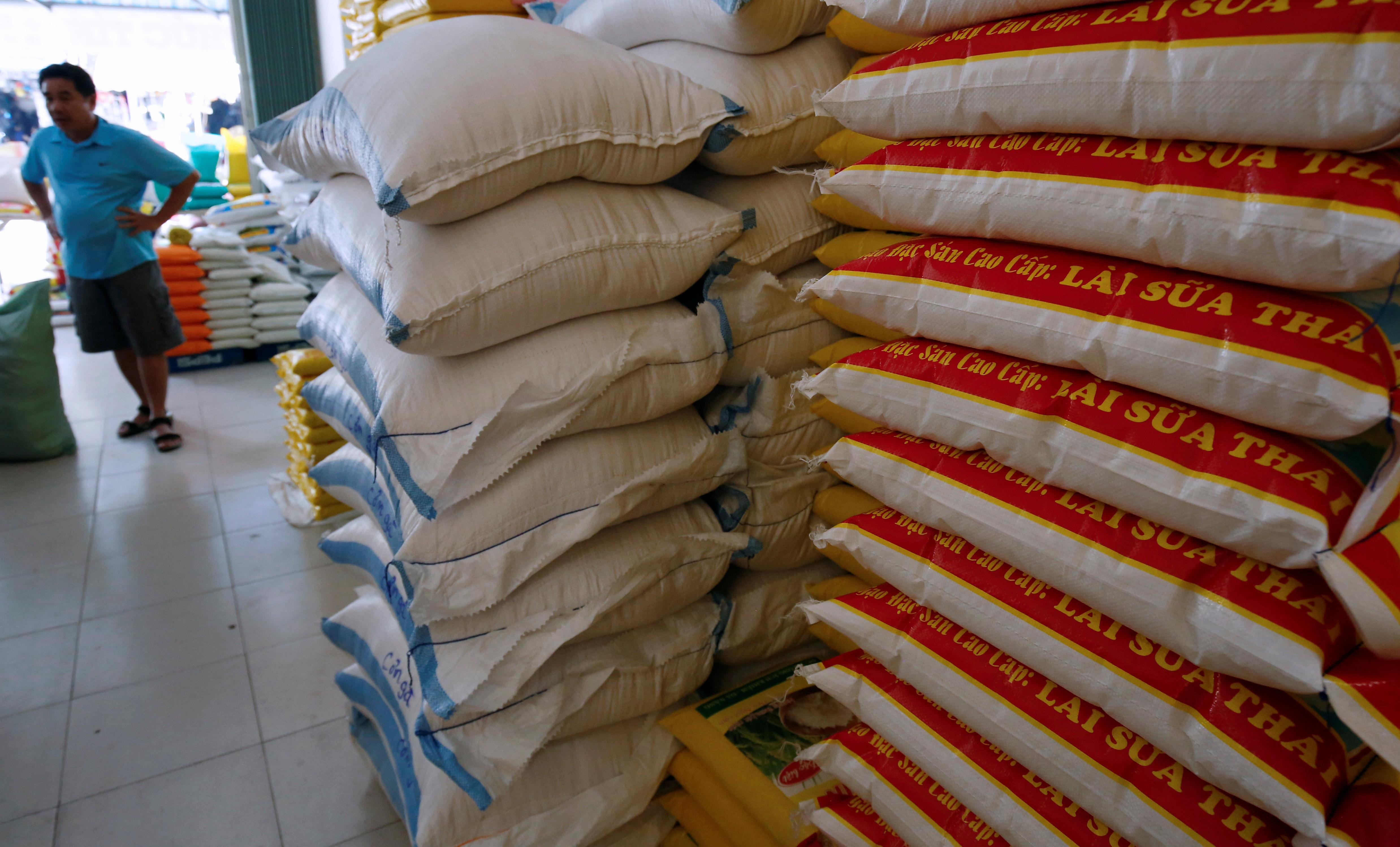 Indian rice prices recover slightly; harvest boosts Vietnamese stocks