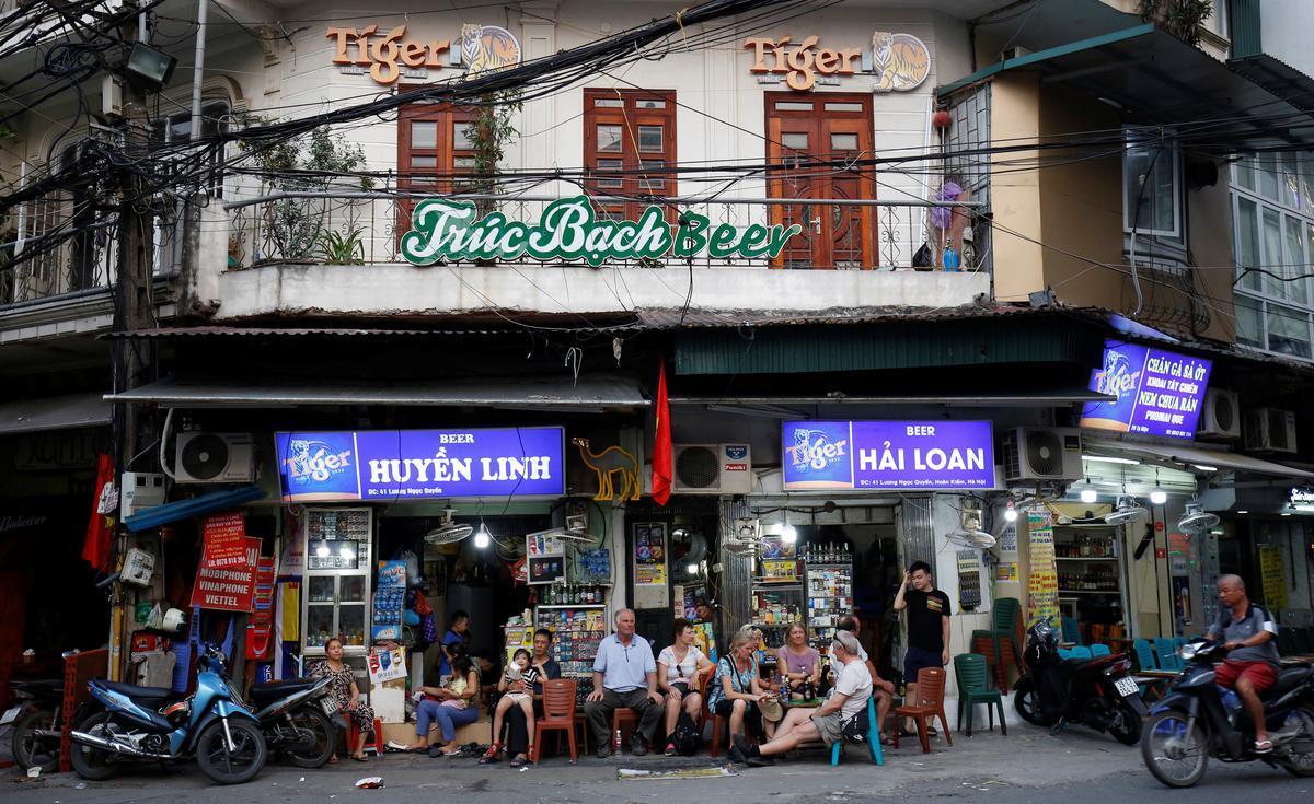 In Vietnam beer war, Heineken and Sabeco seek to take each other's turf