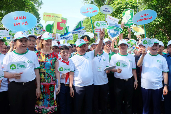 Vietnam aiming for nationwide eradication of single-use plastics by 2025: PM
