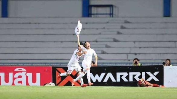 10-woman Vietnam defeat hosts Thailand to claim regional football title