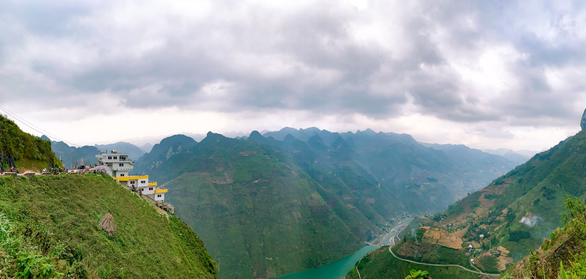Outcry over 'eyesore' building on majestic Vietnam mountain pass