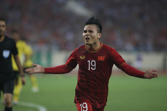 Nguyen Quang Hai's acrobatic kick earns Vietnam slim win over Malaysia