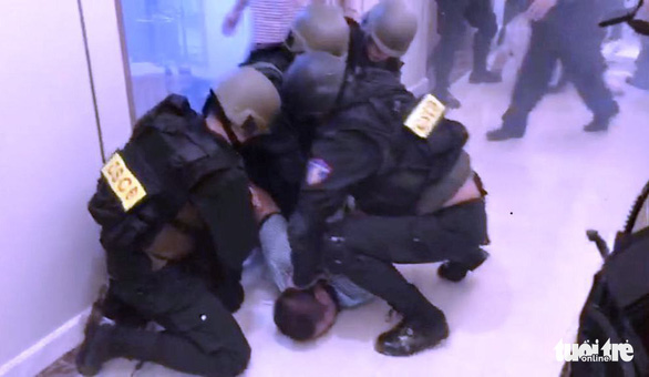 Police defuse hostage situation in iconic Saigon skyscraper
