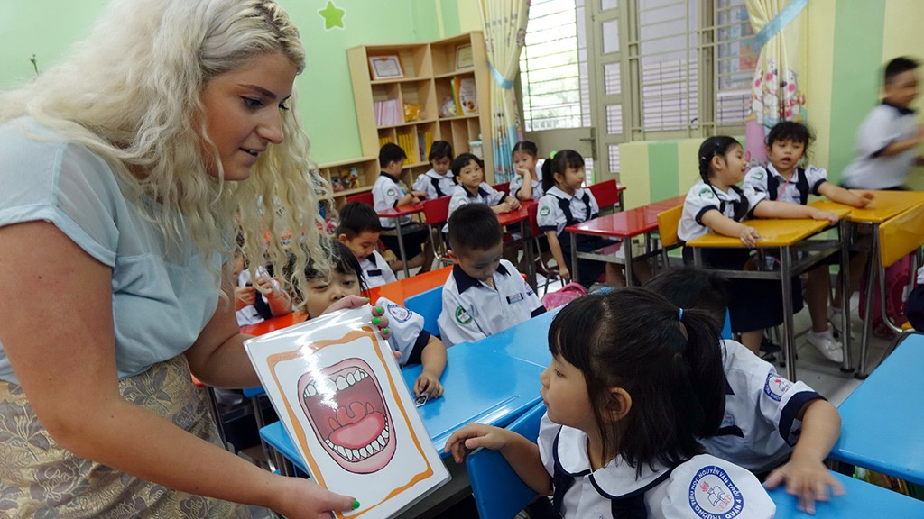 English proficiency of Vietnamese hits five-year low: EF report