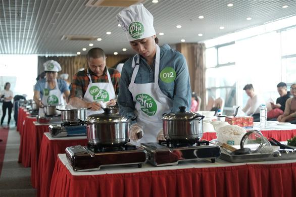 Hanoi qualifier finds best 'pho' chefs in northern Vietnam