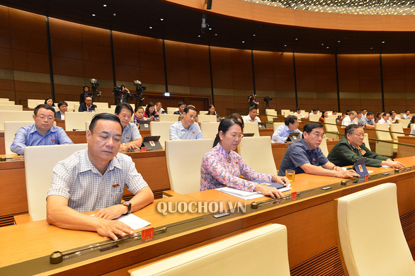 Vietnam legislature adopts law to waive visa for foreigners entering coastal economic zones