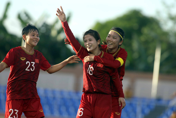 Thailand hold Vietnam to 1-1 draw in women's football opener at 2019 SEA Games