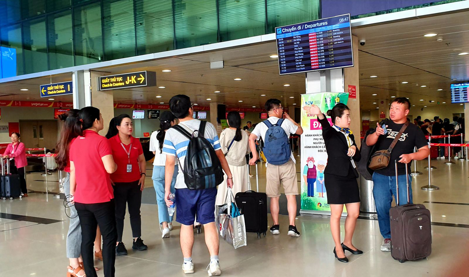 Ho Chi Minh City airport prepares for peak travel season