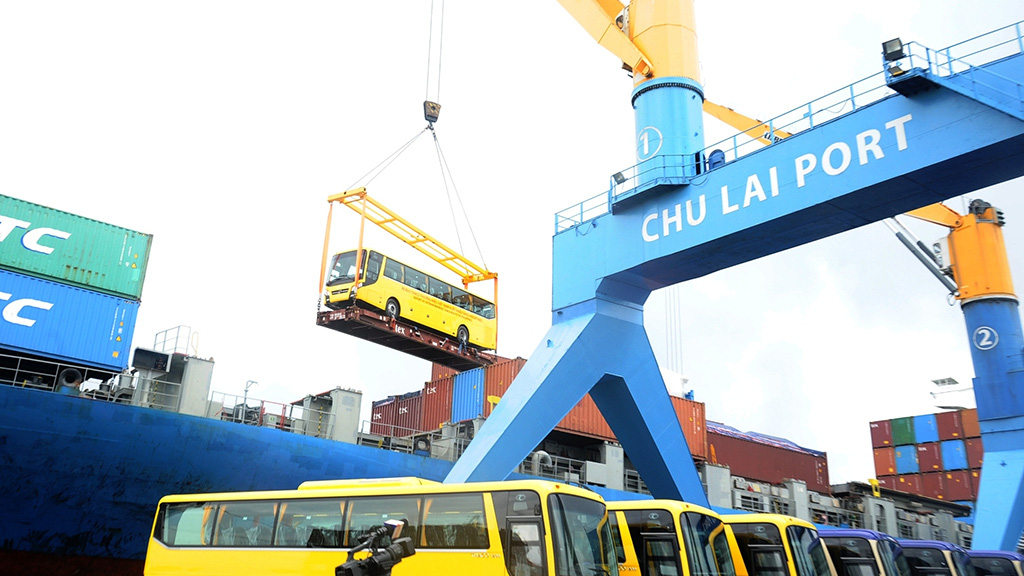 Vietnamese automaker Thaco exports 15 buses to Philippines