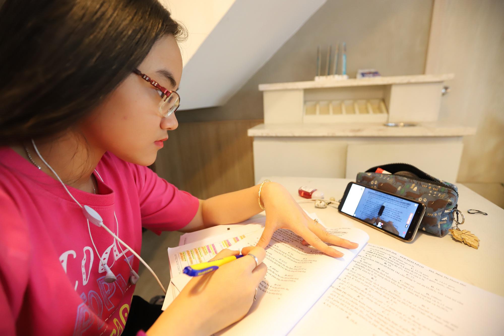 Ho Chi Minh City extends COVID-19 school break through February