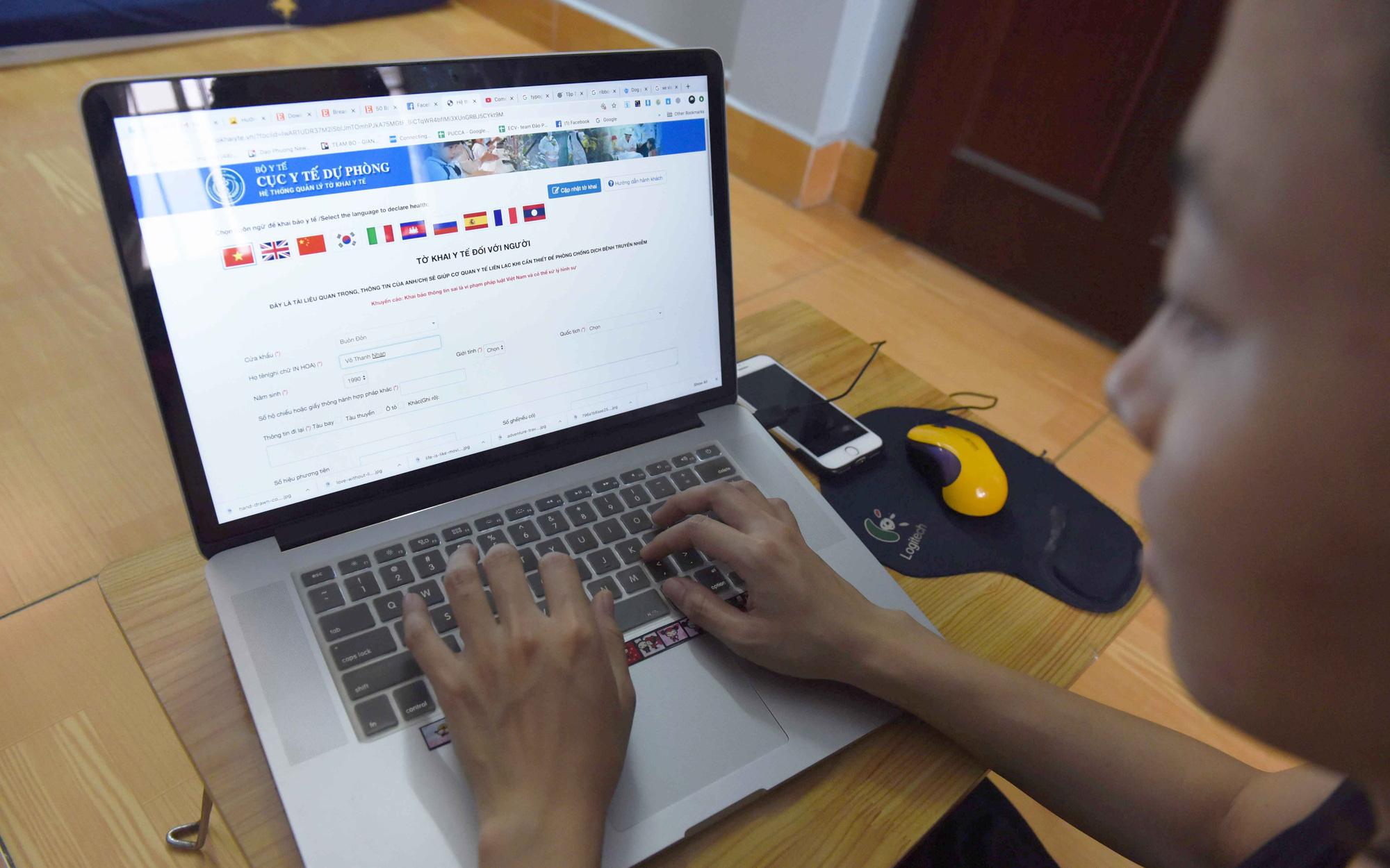 Vietnam launches apps for health declaration