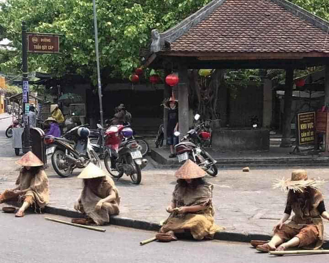 Hoi An pranksters apologize for 'beggars' clan' shenanigans