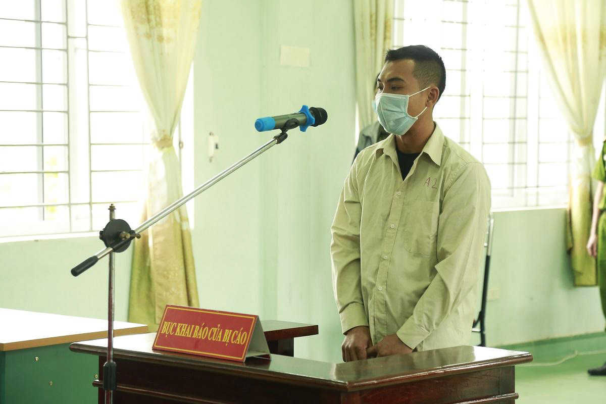 Man jailed for resisting COVID-19 officials who told him to wear face mask in Vietnam