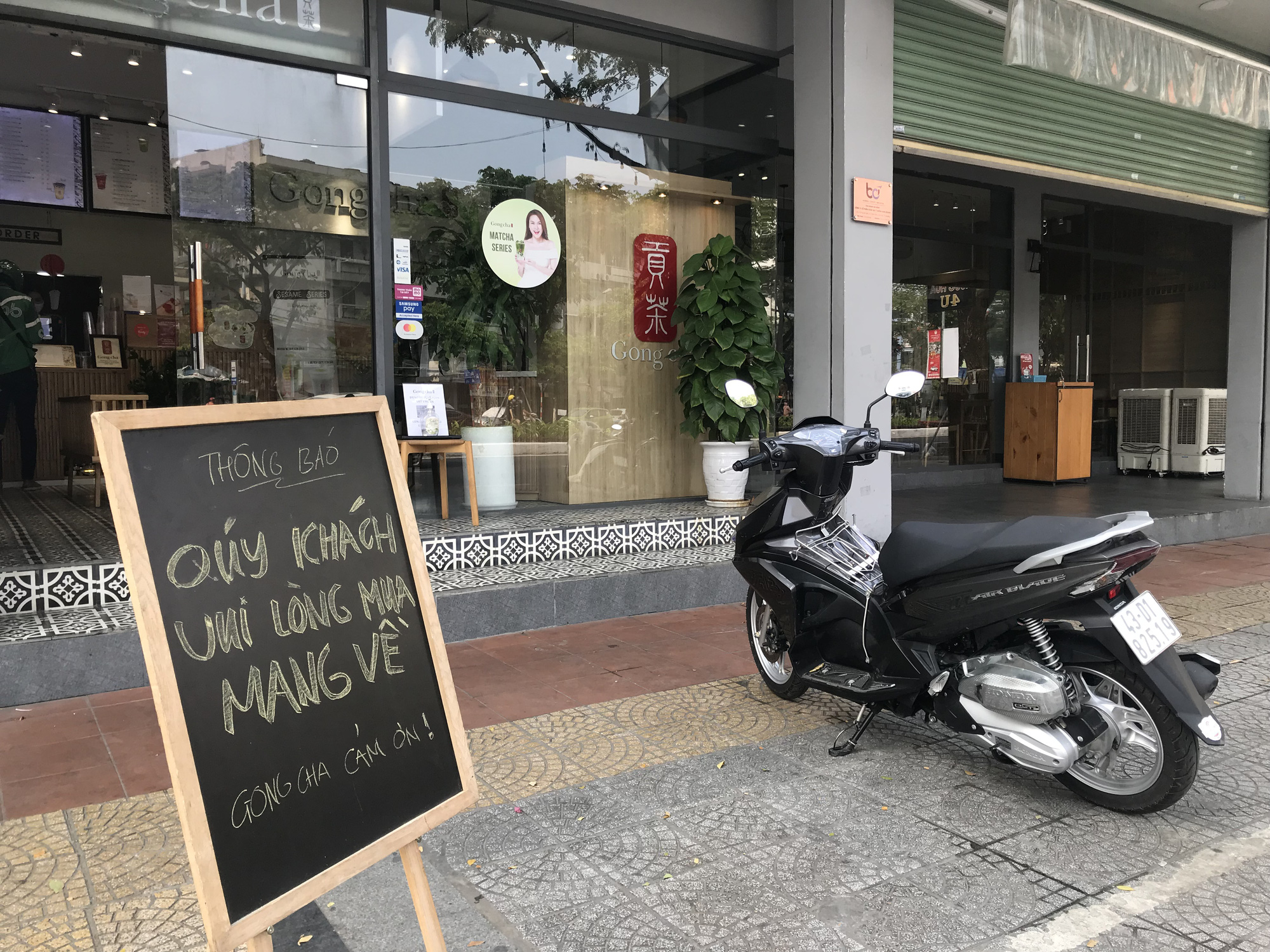 Da Nang eateries resume takeaway, delivery services after suspension