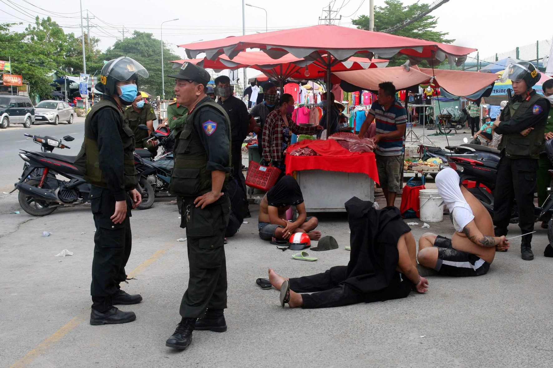 Gang arrested for collecting 'protection money' from merchants in southern Vietnam
