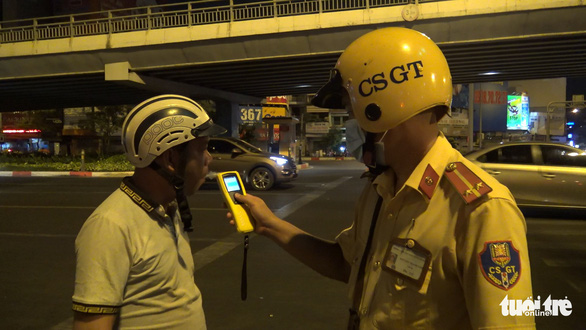 Drunk drivers fined on first day of intensive campaign to inspect Saigon's road users