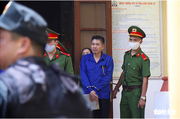 Tran Xuan Yen, former deputy director of the Son La Department of Education and Training, is present at a court for test-score manipulation in the 2018 National High School Exam in Son La Province, Vietnam, May 29, 2020. Photo: Danh Trong / Tuoi Tre