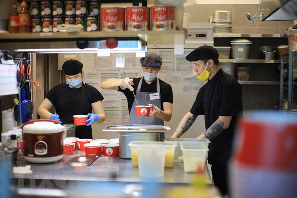 Vietnamese pho brand in Russia offers free lunches to medical staff