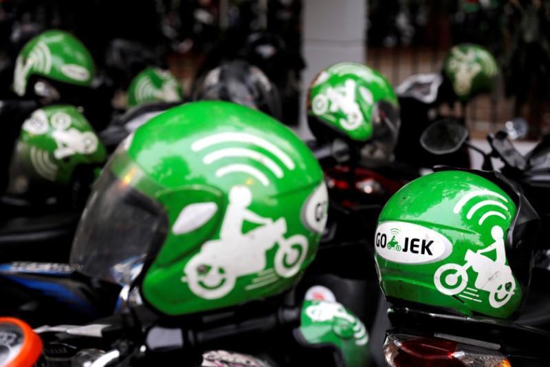 WhatsApp, Paypal invest in Indonesian payment and ride-hailing firm Gojek