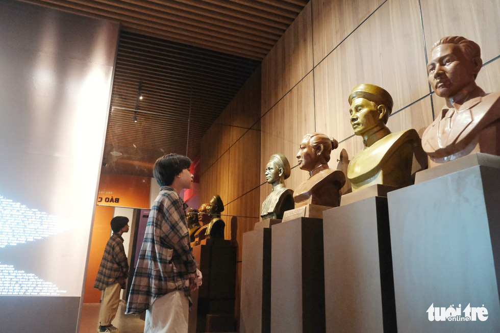 A guest views busts of the first Vietnamese journalists on display at the Vietnam Press Museum in Hanoi in this undated photo. Photo: Song La / Tuoi Tre