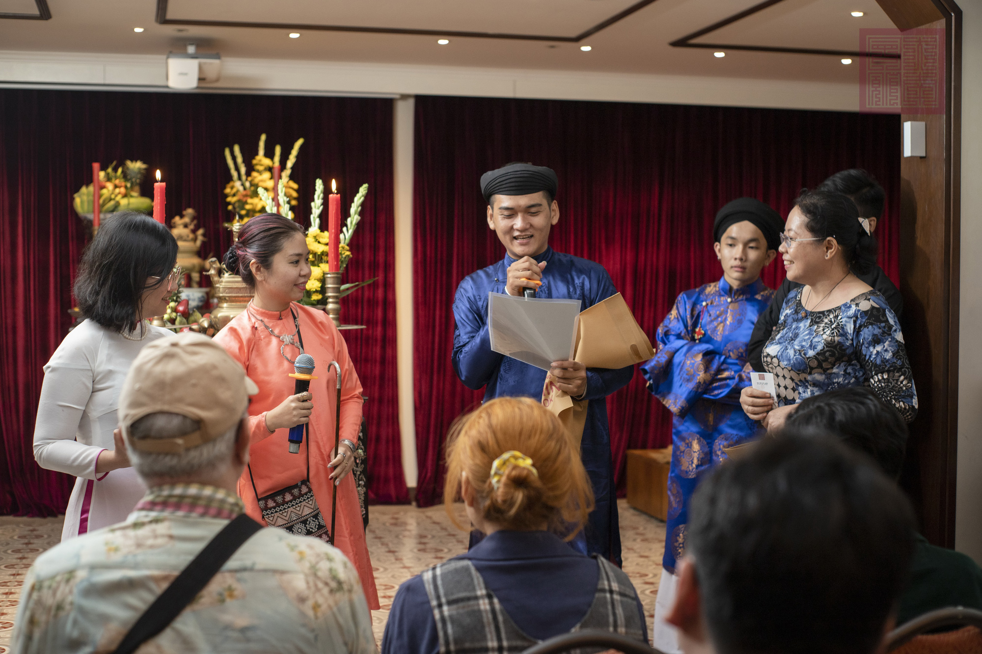 Vietnamese culture enthusiasts engage young audiences in country's ancient traditions