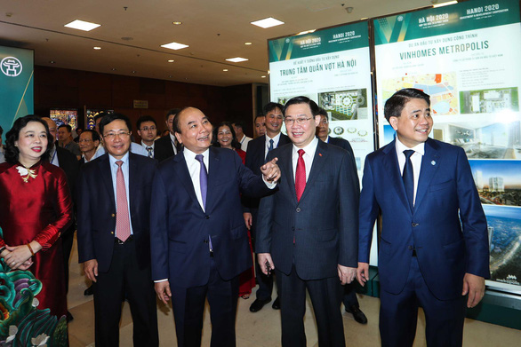 Prime Minister Nguyen Xuan Phuc (center) attends the 'Hanoi 2020 – Investment and Development Cooperation'conference in Hanoi, June 27, 2020. Photo: Nguyen Khanh / Tuoi Tre