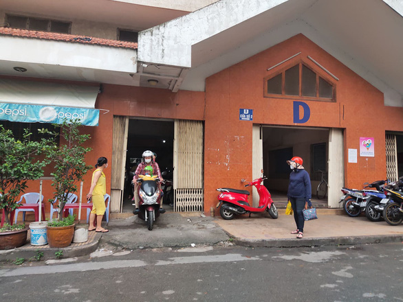 All floormates negative for coronavirus after Saigon apartment resident has 'weak positive' retest
