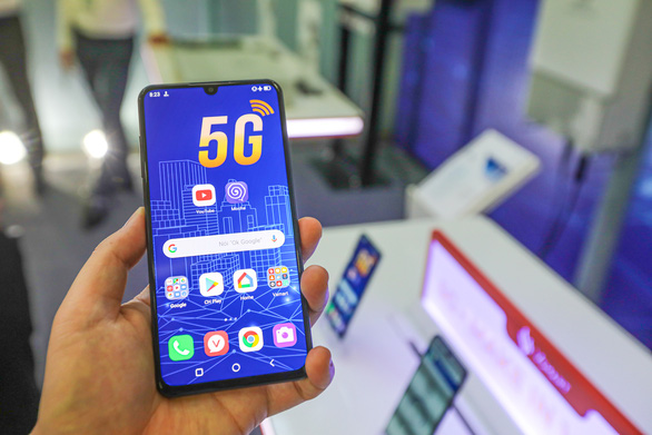 Vietnam to test commercial use of 5G networks in October: deputy minister