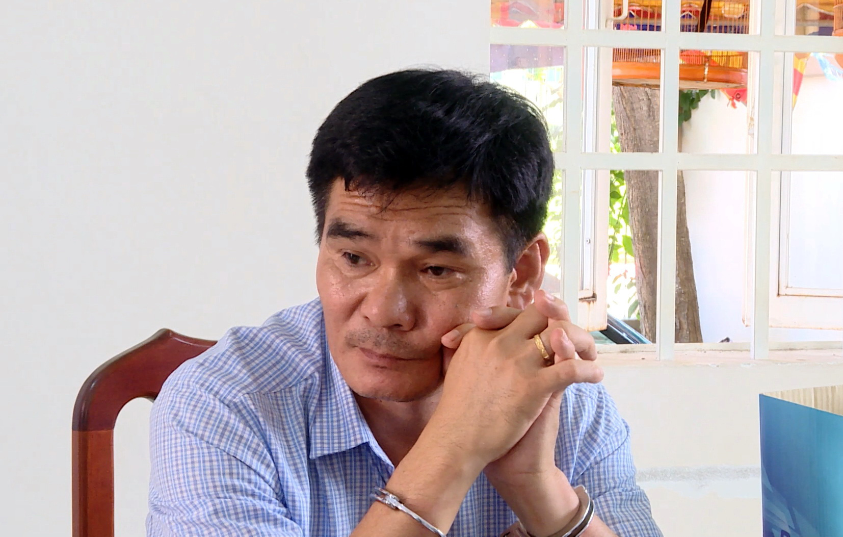 Police nab bogus reporter in southern Vietnam for blackmail