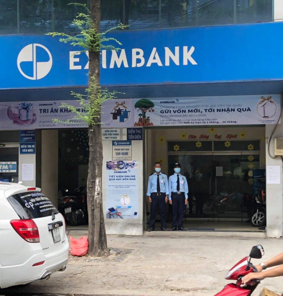 Vietnam's Eximbank reopens transaction office exposed to COVID-19 patient