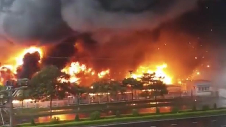 Conflagration destroys paint manufacturing workshop in northern Vietnam