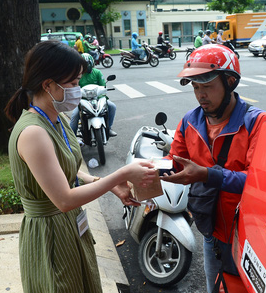 Vietnamese make 30 million online purchases daily during pandemic: Visa