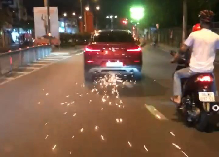 Intoxicated driver on hit-and-run spree in Ho Chi Minh City