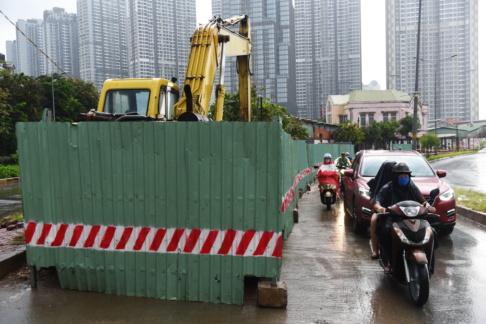 Roadworks continue causing congestion in Ho Chi Minh City