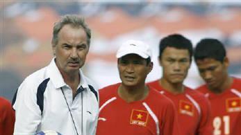 Alfred Riedl, former Vietnam football head coach, dies at 70