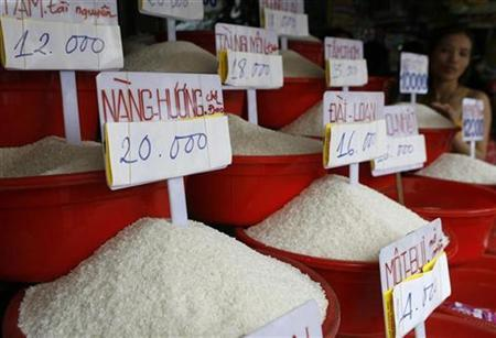 Asia rice-Vietnam rates drop as harvest begins, Philippines halts buying
