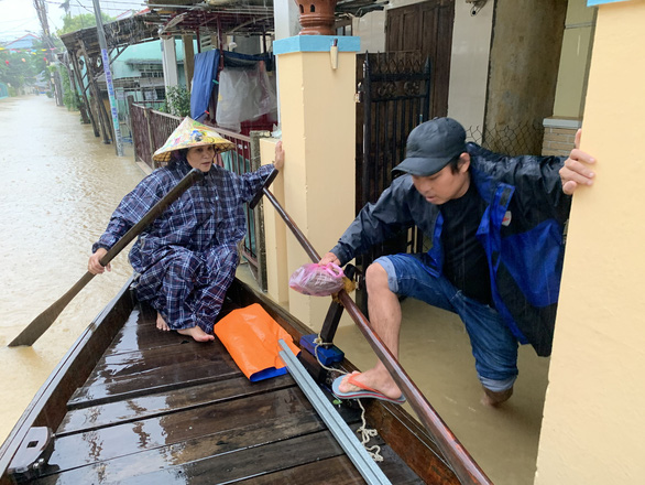 Hoi An evacuates residents as flooding worsens