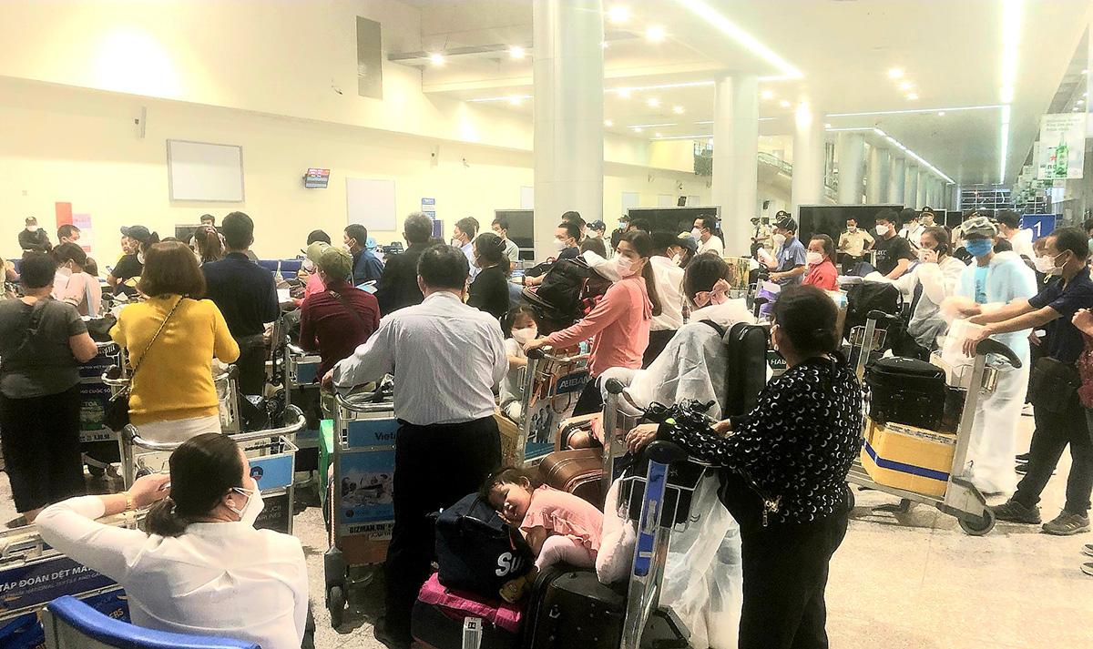 Quarantine issues hinder Vietnam from operating regular inbound flights