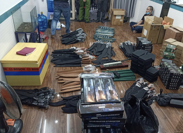 Police find weapons in bulk in gun deliveryman's room in Ho Chi Minh City