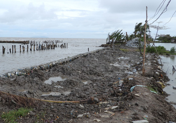 Vietnam's southernmost province declares landslide emergency at western sea dykes