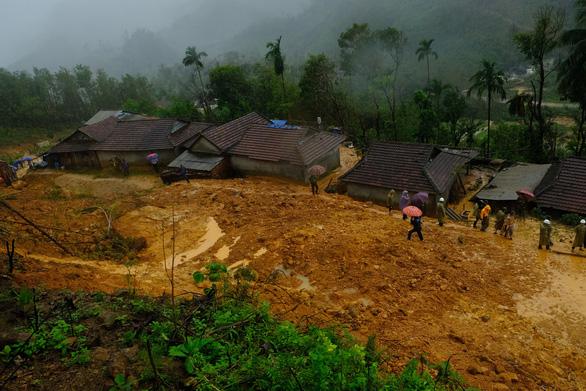Midnight landslide strikes central Vietnam village