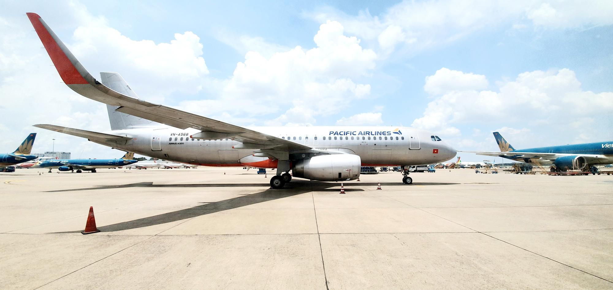 Hanoi-Ho Chi Minh City flight delayed after man shouts 'bomb' on plane