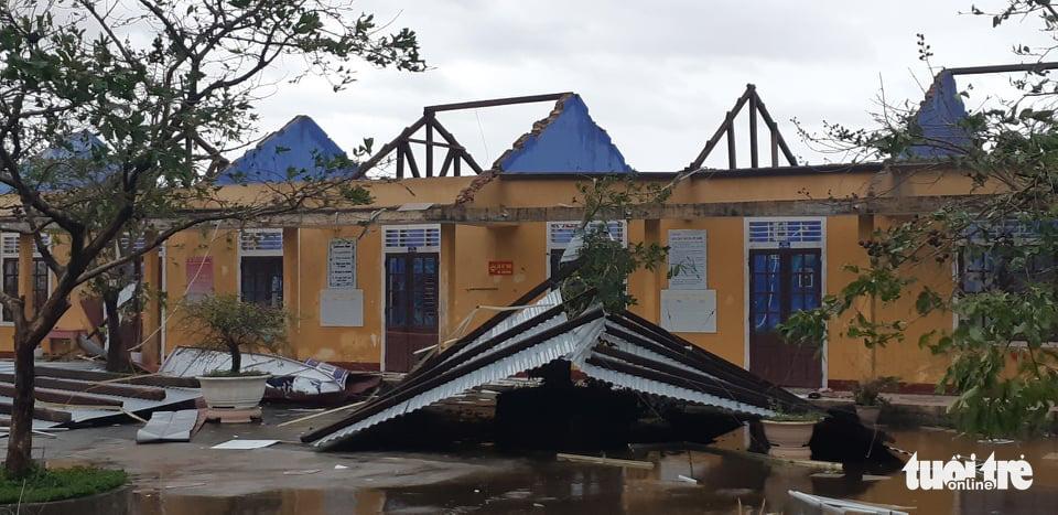 Storm Vamco unleashes wrath in central Vietnam