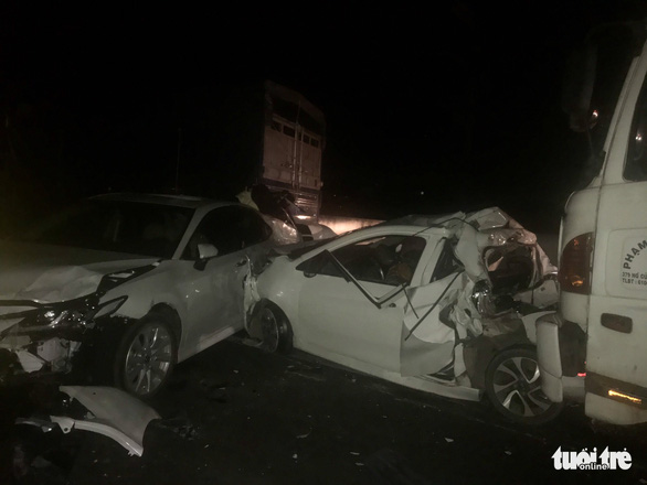 Multi-car pile-up shuts down Ho Chi Minh City highway