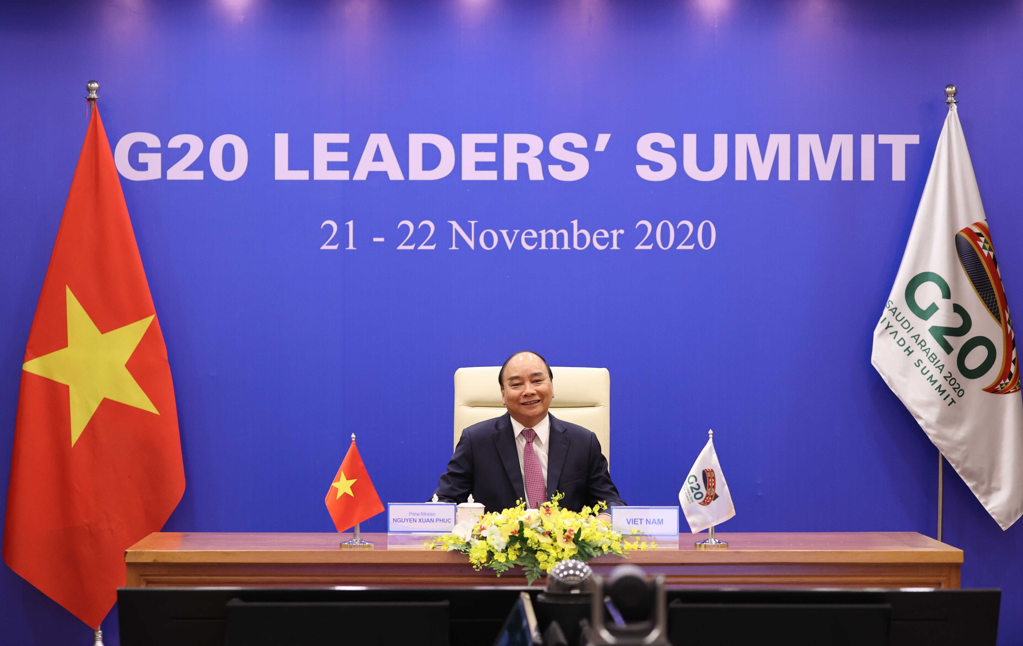 Vietnam premier calls for global solidarity to overcome COVID-19 at G20 Summit
