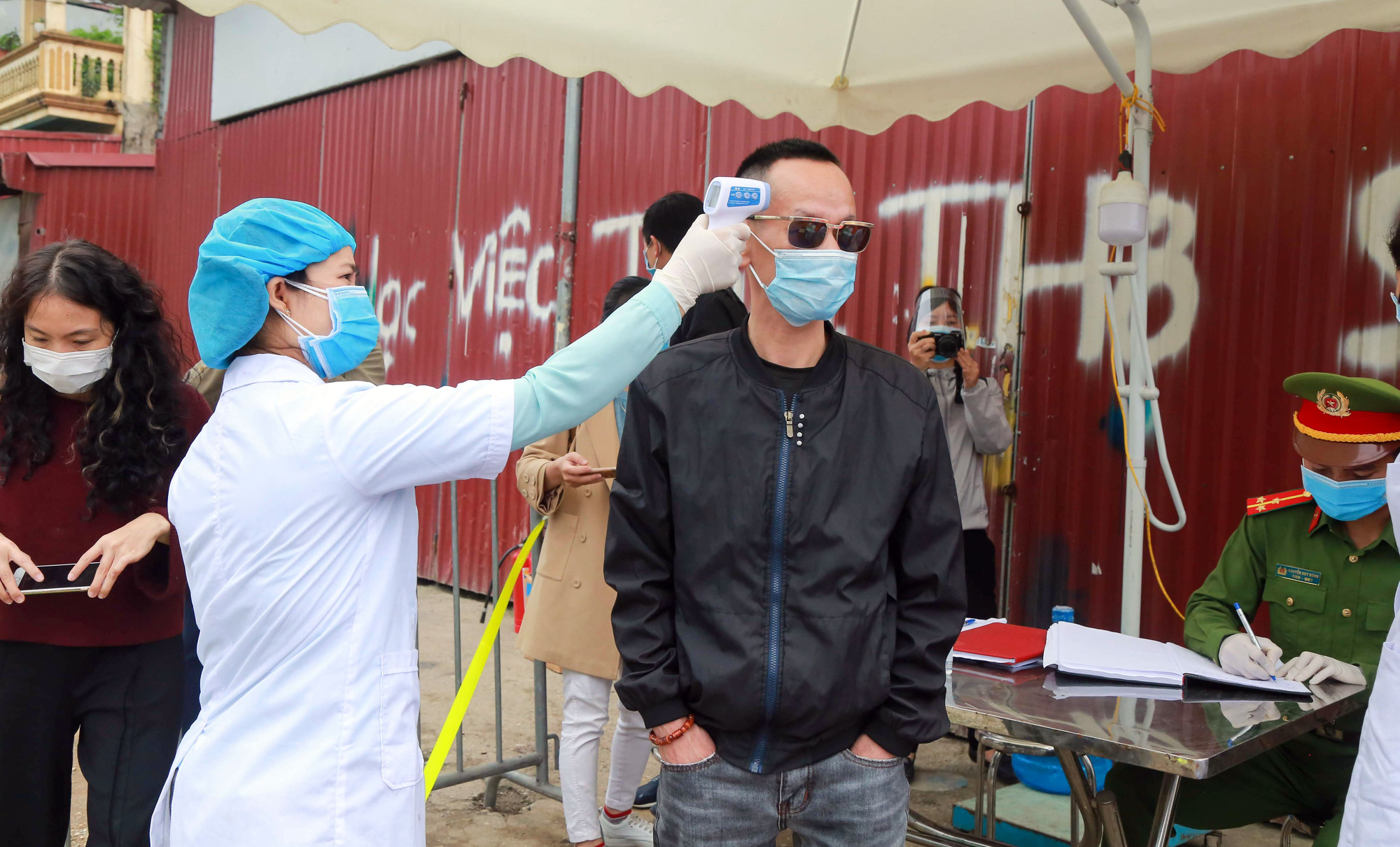 Flight attendant among five new COVID-19 cases in Vietnam