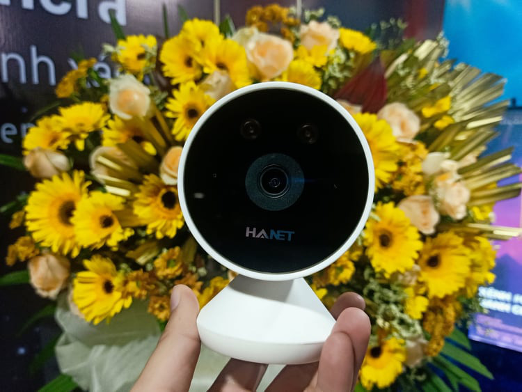 Vietnamese firm introduces AI camera able to recognize masked face