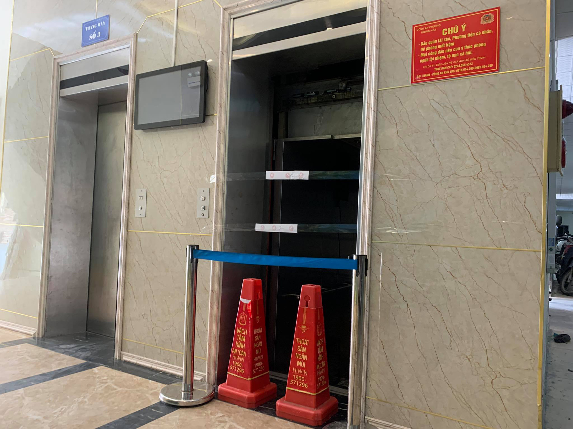 Two hospitalized as elevator falls from fifth floor of Hanoi apartment building