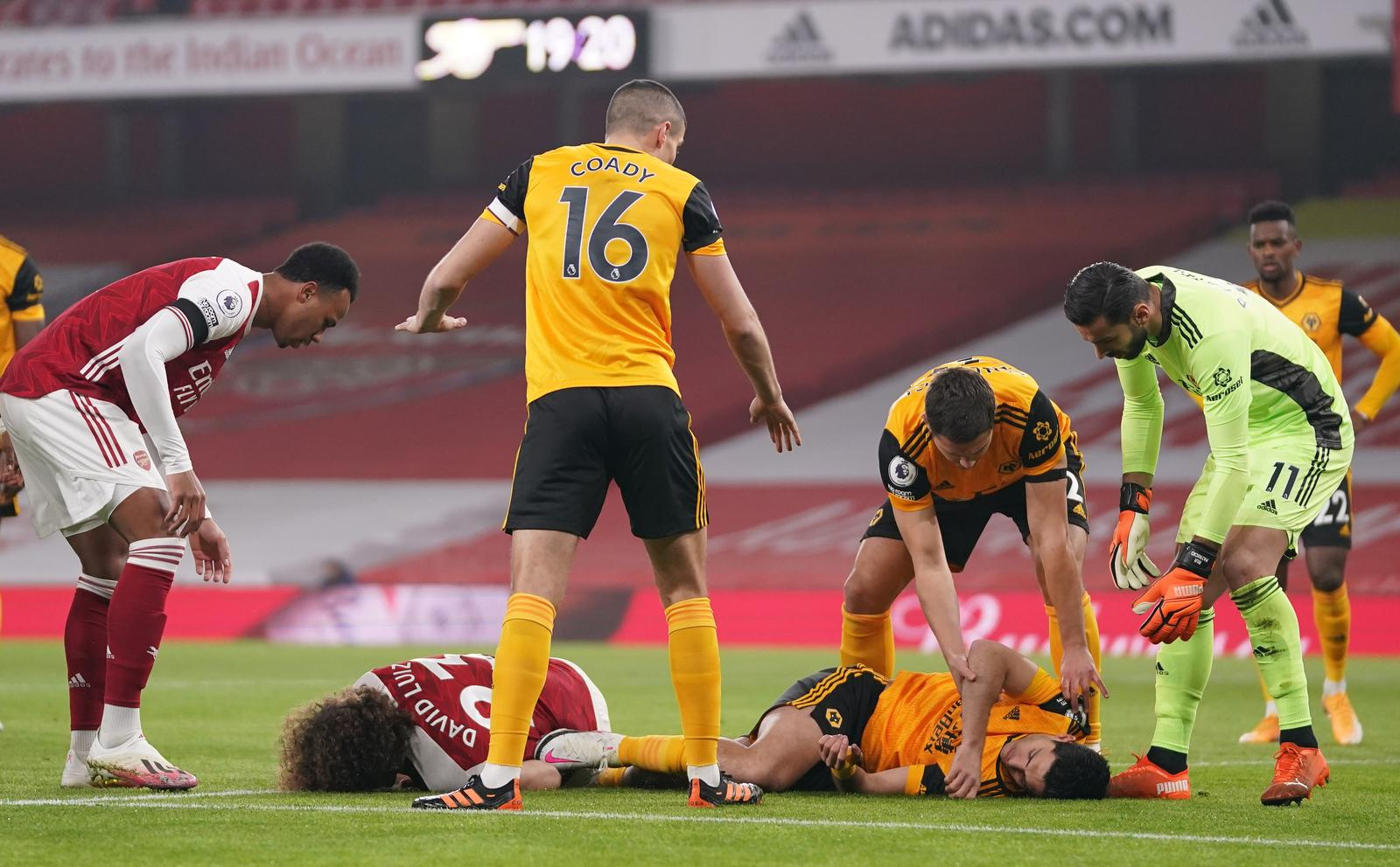 Wolves manager feared for Jimenez after head injury