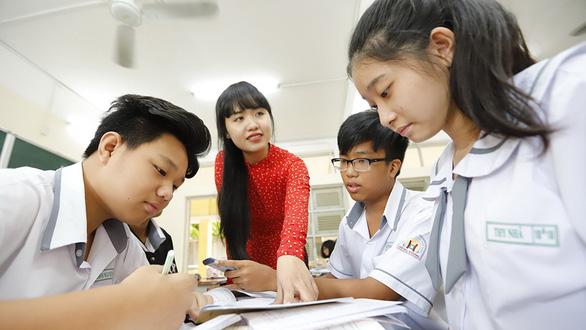 Vietnamese family passes down love for teaching through generations